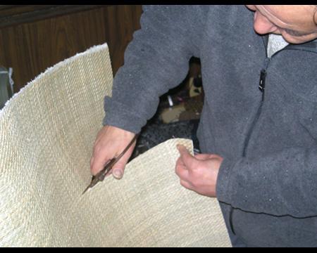 1.天板に使用される材料を裁断